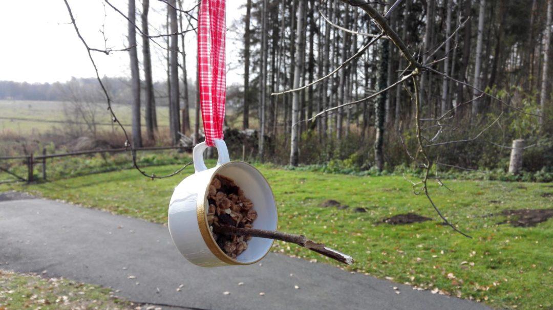 Vogelfutter Baum Tasse